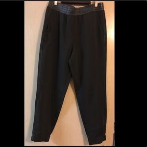 Summer pants with faux leather detail
